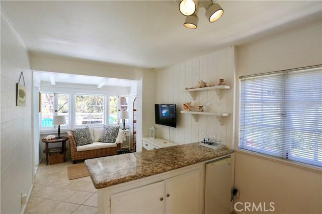 460 Saint Anns Drive, Laguna Beach CA: http://media.crmls.org/medias/730e0dec-5021-46b3-82cc-17485d619bf3.jpg