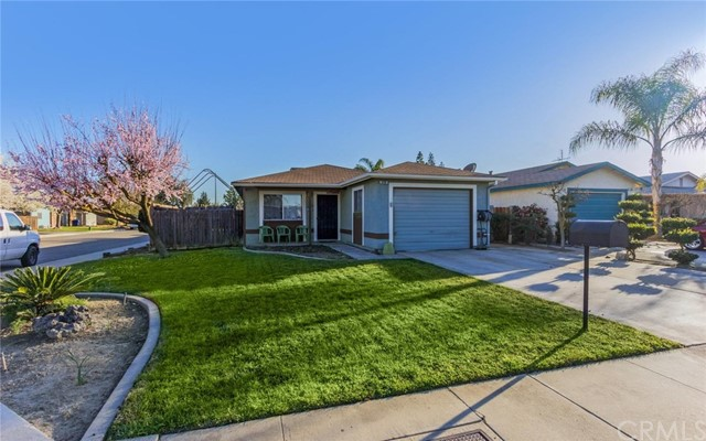 Single Family Home for Sale at 470 Mariposa Street Kingsburg, California 93631 United States