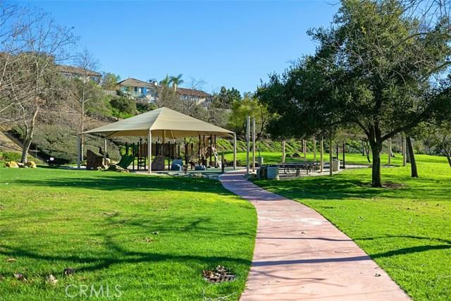 17 Elderberry, Aliso Viejo CA: http://media.crmls.org/medias/73291c02-95f4-4ff9-a6c2-abc8e11713b0.jpg