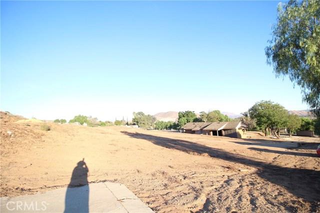 3791 Scenic Drive, Riverside CA: http://media.crmls.org/medias/73329067-4774-4594-bd91-bbd5fe179101.jpg
