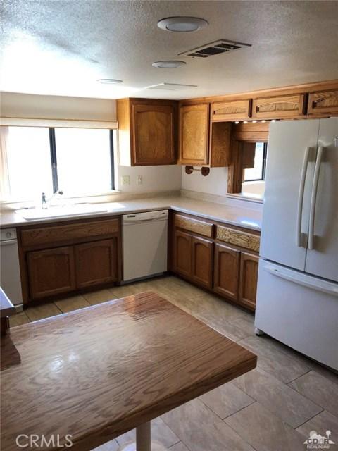 74204 Mercury Circle, Palm Desert CA: http://media.crmls.org/medias/7334565a-9071-4dbe-92a1-ffaaec90712d.jpg