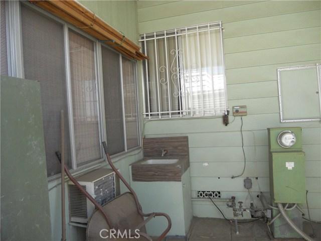 26057 Queen Palm Drive, Homeland CA: http://media.crmls.org/medias/7338a6ca-ed1d-4c4f-925f-aaea0037fa44.jpg