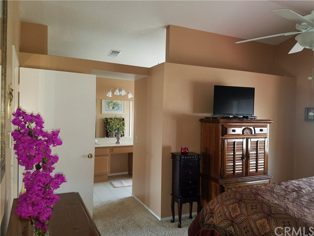 13546 Cambridge Place, Chino CA: http://media.crmls.org/medias/733c158f-2651-4e19-853a-6727e6b99c8f.jpg