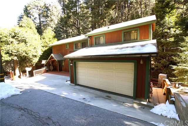 715 Community Drive Lake Arrowhead CA 92352