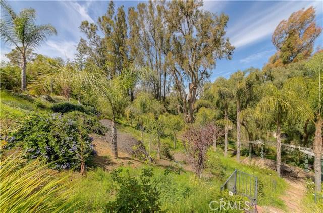 685 Noble Rd., Simi Valley CA: http://media.crmls.org/medias/7347152c-fc63-46e6-9394-523fbf33d5ee.jpg
