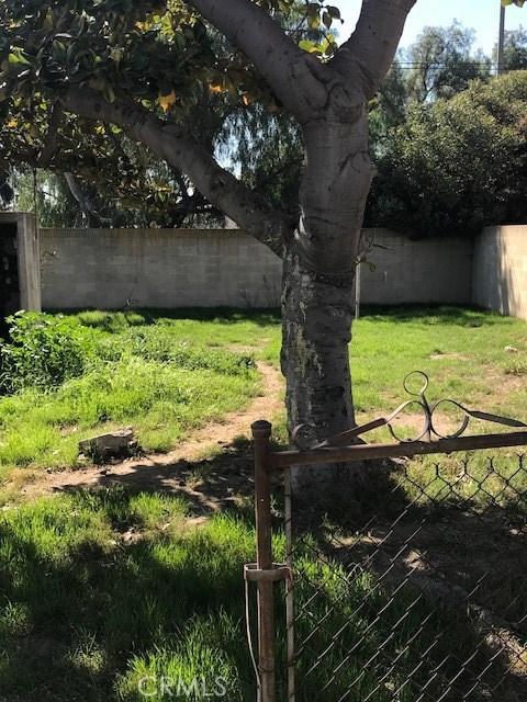 1210 W Maddox St, Long Beach, CA 90810 Photo 2