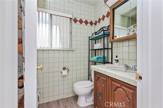 4261 W Flower Avenue, Fullerton CA: http://media.crmls.org/medias/736fab92-71e5-4412-8091-0fe3c01bbde5.jpg