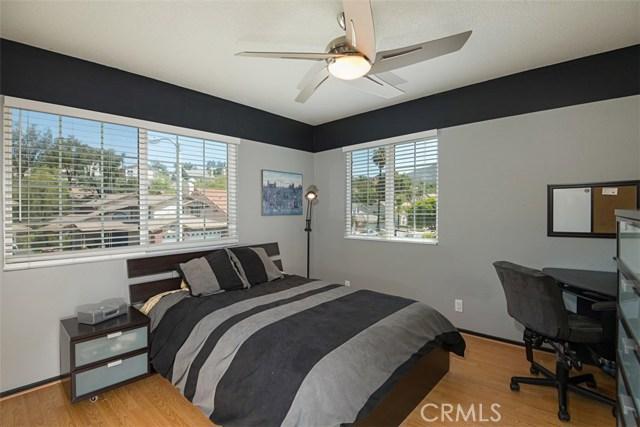 28882 Mountain View Lane, Lake Forest CA: http://media.crmls.org/medias/73708961-0397-4e41-afdb-968f3215ddc0.jpg