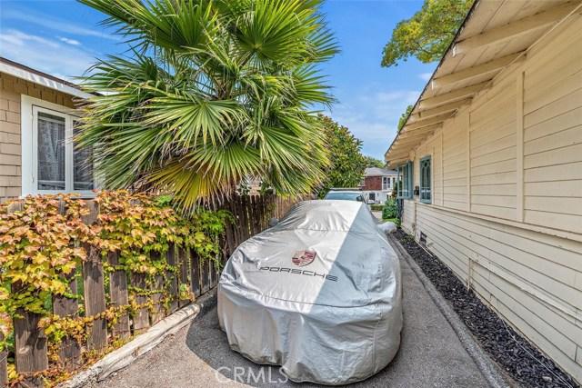 332 Poplar Street, Laguna Beach CA: http://media.crmls.org/medias/737856a0-1dcc-41f6-820f-45de22a47479.jpg