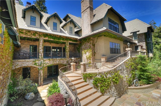Single Family Home for Sale at 160 Cedar Ridge Drive Lake Arrowhead, California 92321 United States
