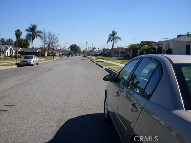 827 109th Place,Los Angeles,CA 90044, USA