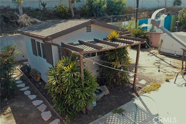 1268 W 187th Place, Gardena CA: http://media.crmls.org/medias/737f0ed1-0b01-4622-b711-d91d60877203.jpg