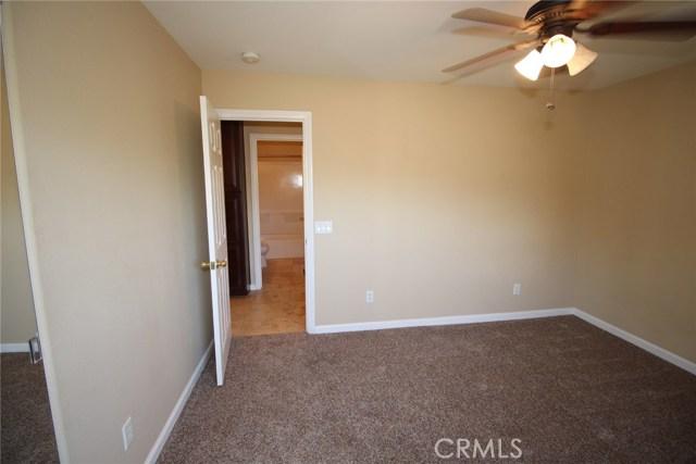 111 Manning Street, Lake Elsinore CA: http://media.crmls.org/medias/738963fe-6c42-4e43-8dc7-f8bbc1387a33.jpg