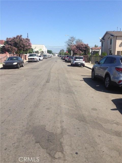 720 School Avenue, East Los Angeles CA: http://media.crmls.org/medias/73912267-b8ba-41ad-8027-0ea92791f703.jpg