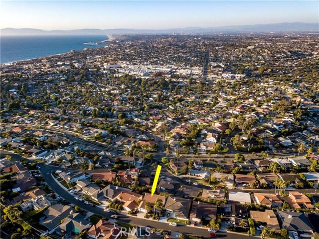 301 Avenida Atezada, Redondo Beach CA: http://media.crmls.org/medias/73915ab4-96a5-4f01-b8d2-8b3a343f20da.jpg