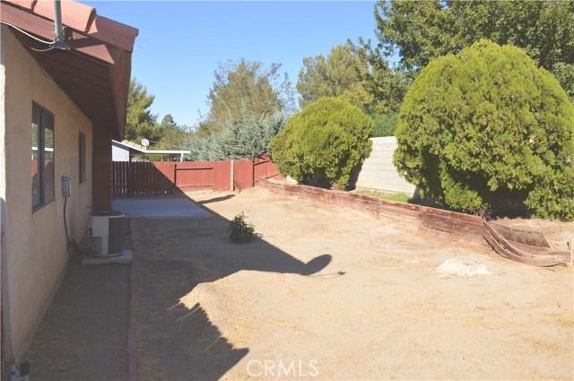 15489 Chaparral Street, Victorville CA: http://media.crmls.org/medias/73973e79-22e6-446e-b8d3-50674e701b04.jpg