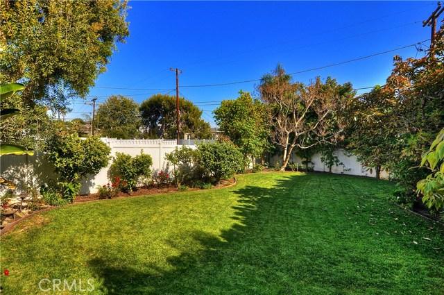 211 W Avenida Valencia, San Clemente CA: http://media.crmls.org/medias/73a0055f-b134-408f-90d1-cc1febf57b28.jpg