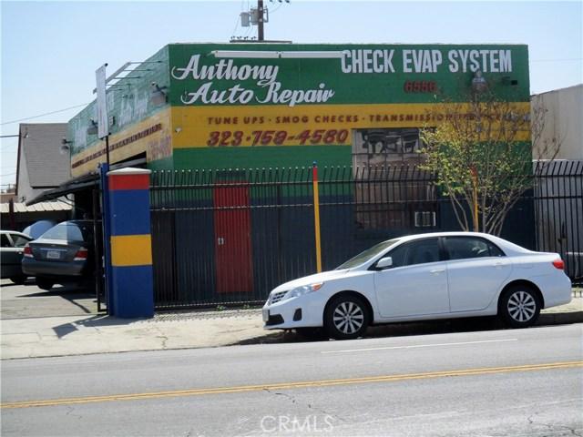 6556 S Western Avenue, Los Angeles CA: http://media.crmls.org/medias/73a500b9-5e98-46f0-a2e8-e27d6bf3e79f.jpg