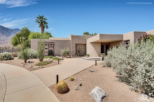 Single Family Home for Sale at 820 Snapdragon Circle 820 Snapdragon Circle Palm Springs, California 92264 United States