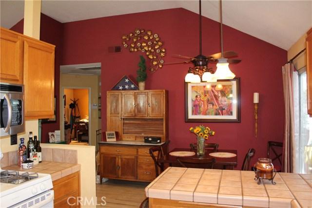 6645 Brighton Place, Alta Loma CA: http://media.crmls.org/medias/73b3cdbf-a1a9-4fdf-acca-628f852bc0d9.jpg