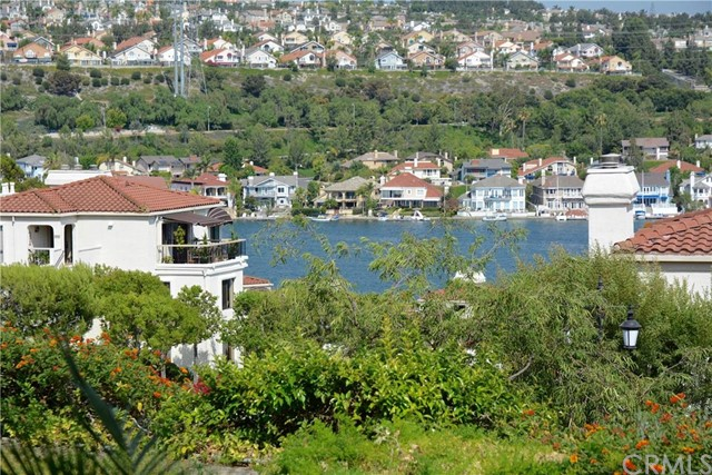 22522 Campos Mission Viejo, CA 92692 is listed for sale as MLS Listing OC16069063