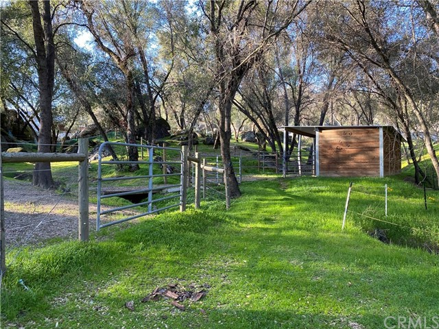 2764 Buck Pass Road, Mariposa CA: http://media.crmls.org/medias/73cce377-b5b6-4eb3-bc34-4d08c1156505.jpg