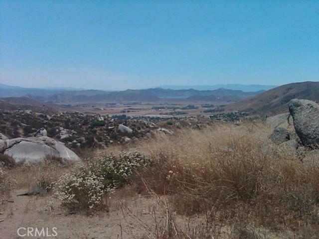 37 Minton Road, Homeland CA: http://media.crmls.org/medias/73e709ba-4f06-42a8-a1f7-957a8c916e80.jpg