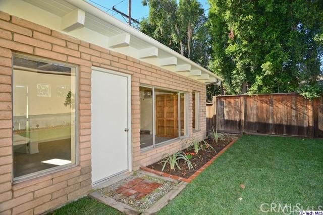 3445 LAS PALMAS Avenue, Glendale CA: http://media.crmls.org/medias/73e9fe71-1339-449b-88fe-25e999a9e87c.jpg