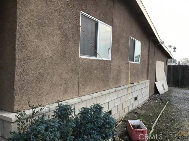 5129 Coronado W Street, Bakersfield CA: http://media.crmls.org/medias/73ebbb9d-6bf2-4710-b129-e68599187c6a.jpg