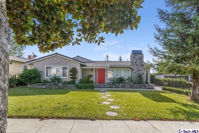 Single Family Home for Sale at 928 Crestview Drive Pasadena, California 91107 United States