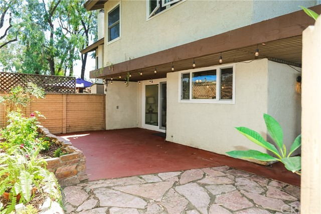 17086 Mount Lomina Court, Fountain Valley CA: http://media.crmls.org/medias/7407af26-4246-4e95-8dad-218bd0de8ba4.jpg