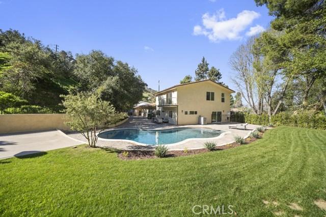 14811 Jadestone Drive, Sherman Oaks CA: http://media.crmls.org/medias/740cd87b-b221-4093-8160-b301987770d7.jpg