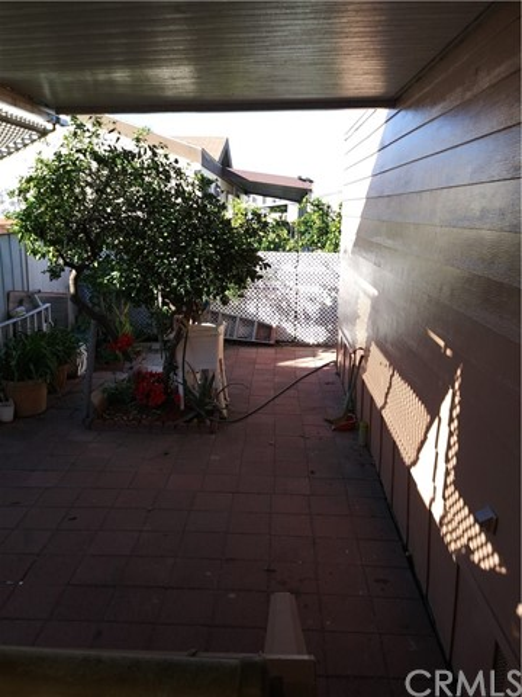 323 N Euclid Street, Santa Ana CA: http://media.crmls.org/medias/740d135b-d274-402d-96da-143e22420d4b.jpg