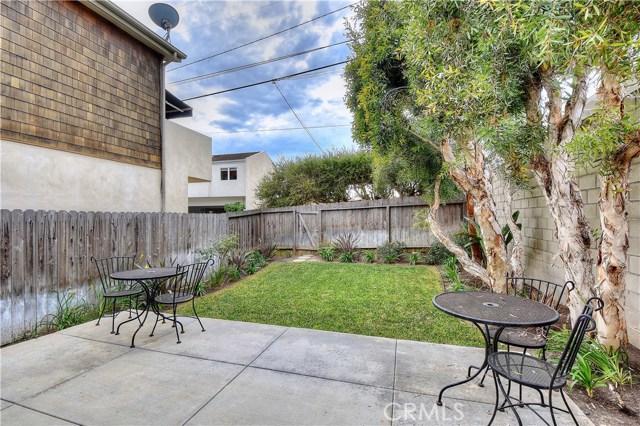 1037 Glenneyre Street, Laguna Beach CA: http://media.crmls.org/medias/7414559c-58f5-4401-af25-92e08ac9008d.jpg