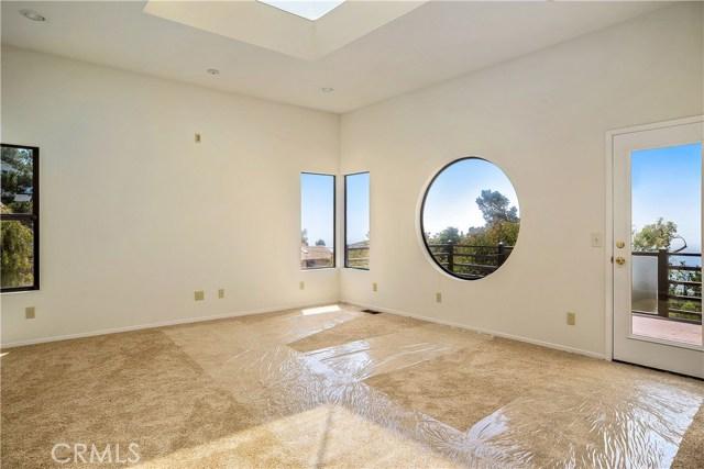 Living Room with Sweeping Ocean Views, Ocean View