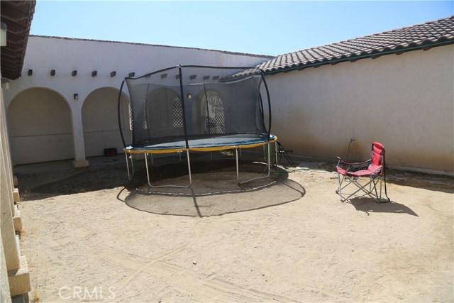 14794 Columbine Street, Victorville CA: http://media.crmls.org/medias/742a9dd5-1800-4c14-9440-3d2b779e4483.jpg