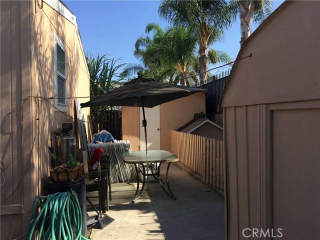 4080 W 1st Street, Santa Ana CA: http://media.crmls.org/medias/74347120-16b3-4605-959f-3a5b8502d6ba.jpg