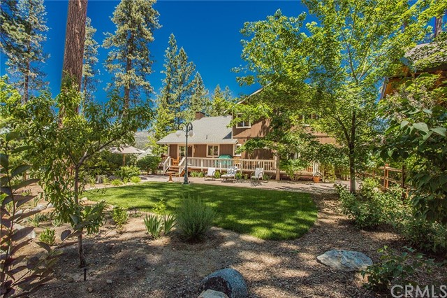 116 Marina Point Drive, Big Bear CA: http://media.crmls.org/medias/743917ab-8c75-43c1-8466-9e9c7b0652c7.jpg