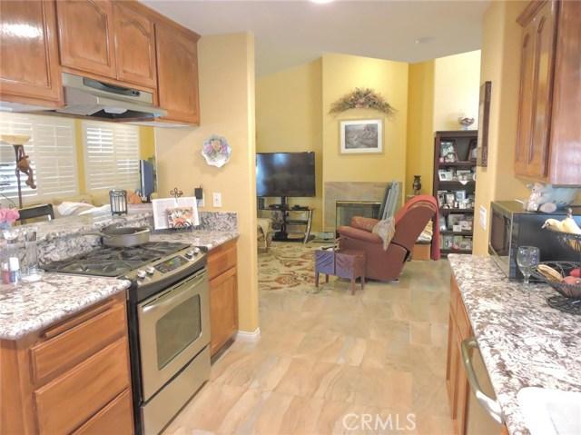 57130 Selecta Avenue, Yucca Valley CA: http://media.crmls.org/medias/7441e136-376f-4967-9a53-2a55f042462c.jpg