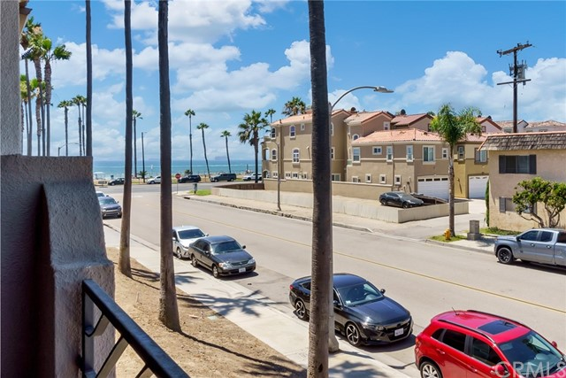 Detail Gallery Image 1 of 1 For 1516 Pacific Coast #103,  Huntington Beach,  CA 92648 - 2 Beds | 2/1 Baths