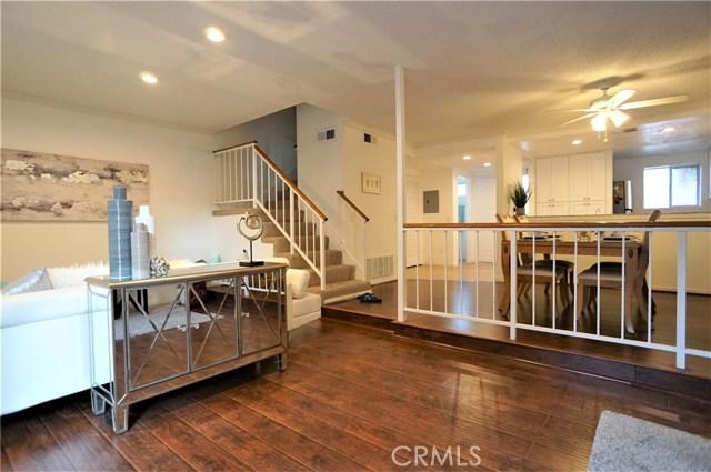 15735 Nordhoff Street, North Hills CA: http://media.crmls.org/medias/7455261e-543a-488e-90b4-810af4447695.jpg