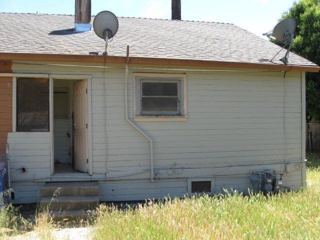 523 E Wood Street, Willows CA: http://media.crmls.org/medias/7465c3bc-4bc8-4c1e-a33f-867913f19046.jpg