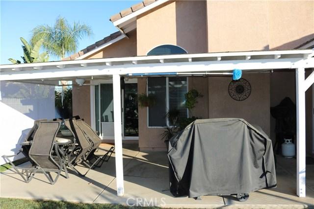 359 Flordason Drive, Calimesa CA: http://media.crmls.org/medias/748187b1-ad38-4ae8-a7f6-e5e09d381873.jpg
