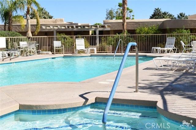 47670 Desert Sage Court, Palm Desert CA: http://media.crmls.org/medias/74826114-9b04-4188-ab42-152d71fefa81.jpg