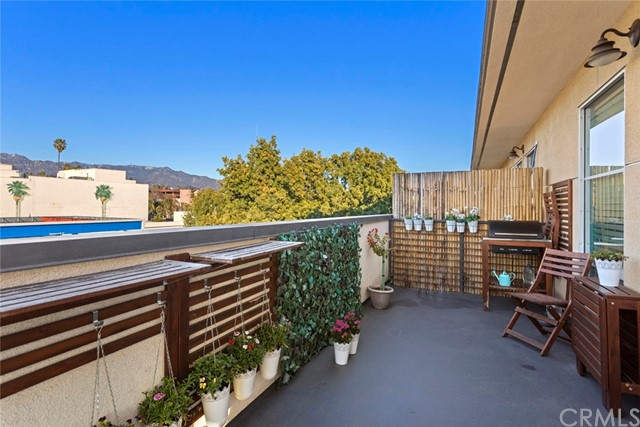 Detail Gallery Image 1 of 29 For 1401 Mission St #205,  South Pasadena,  CA 91030 - 2 Beds | 2 Baths