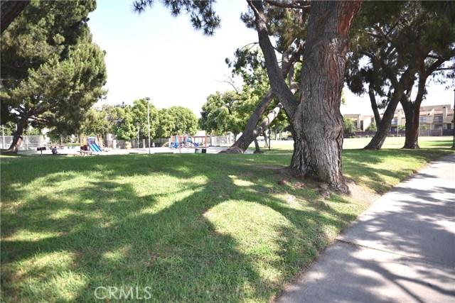 230 N Sierra Vista Street, Monterey Park CA: http://media.crmls.org/medias/748fbc54-5e2a-468c-9455-b84b32ac7871.jpg
