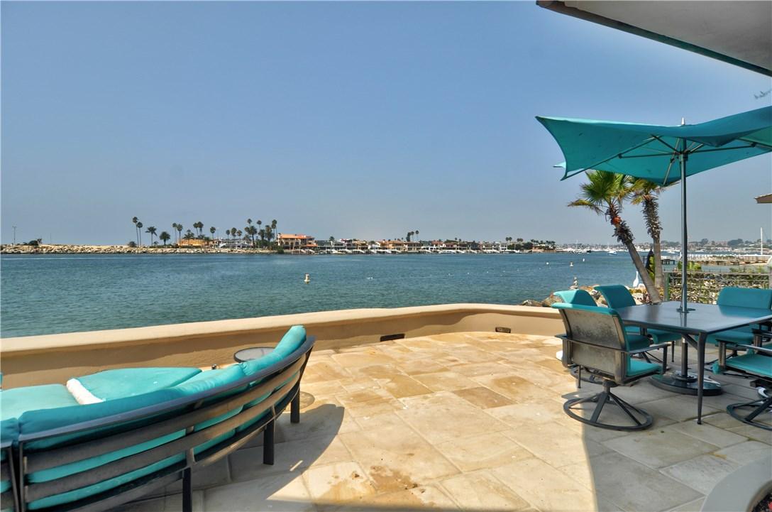 2717 Shell Street, Corona del Mar CA: http://media.crmls.org/medias/749c7c30-13bb-4881-b2bd-c2168e9360d7.jpg
