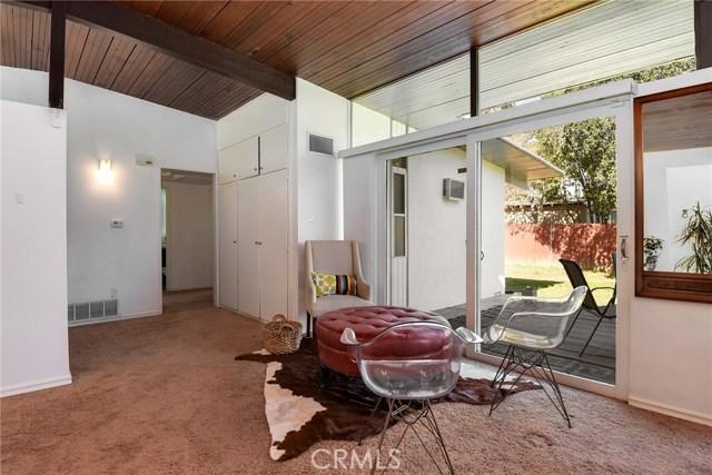 5989 Grand Avenue, Riverside CA: http://media.crmls.org/medias/74a6a05c-cb8f-46fe-9b5a-c45474d7e9d8.jpg