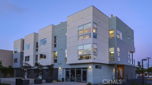 Condominium for Sale at 151 Mercer St Costa Mesa, California 92627 United States