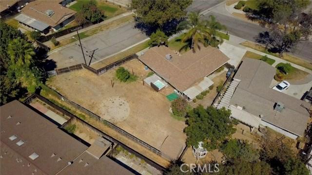 8944 Haskell Street, Riverside CA: http://media.crmls.org/medias/74c1eb3d-e252-4502-ac05-51547a2f3345.jpg